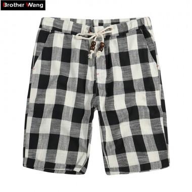 Brother Wang Brand 2018 Summer New Mens Shorts Fashionable Casual Bermuda Plaid Shorts Pure Cotton Straight Loose Beach Shorts